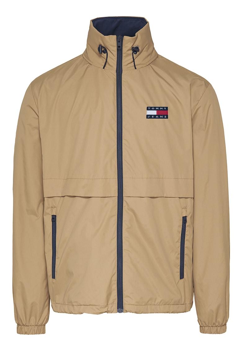 Jacheta cu logo brodat