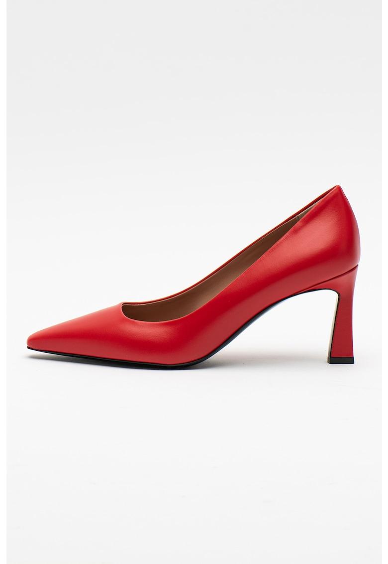 Pantofi din piele cu varf ascutit