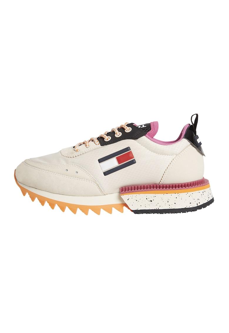 Pantofi sport cu talpa striata si insertii de piele intoarsa ecologica