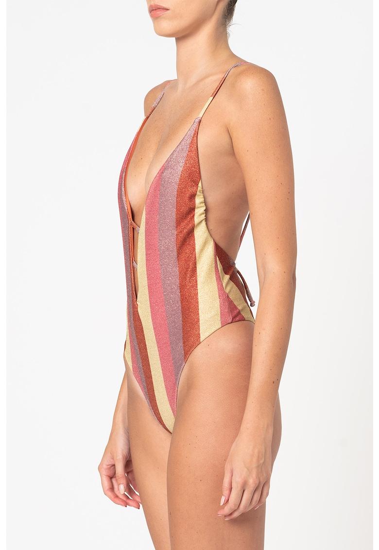 Costum de baie intreg cu aspect stralucitor