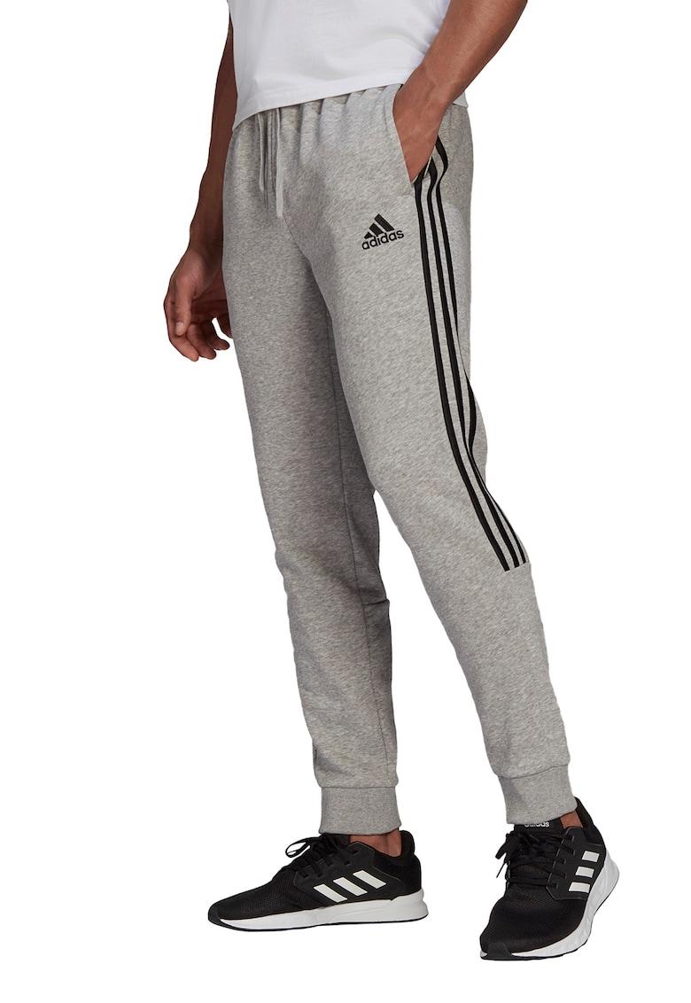 Pantaloni sport regular fit cu croiala conica Essentials 3-Stripes de la adidas Performance