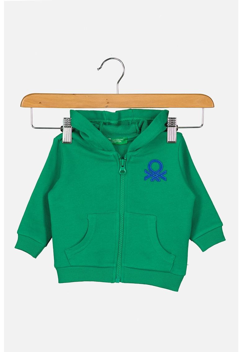 Hanorac din bumbac organic cu fermoar si aplicatie logo de la United Colors of Benetton