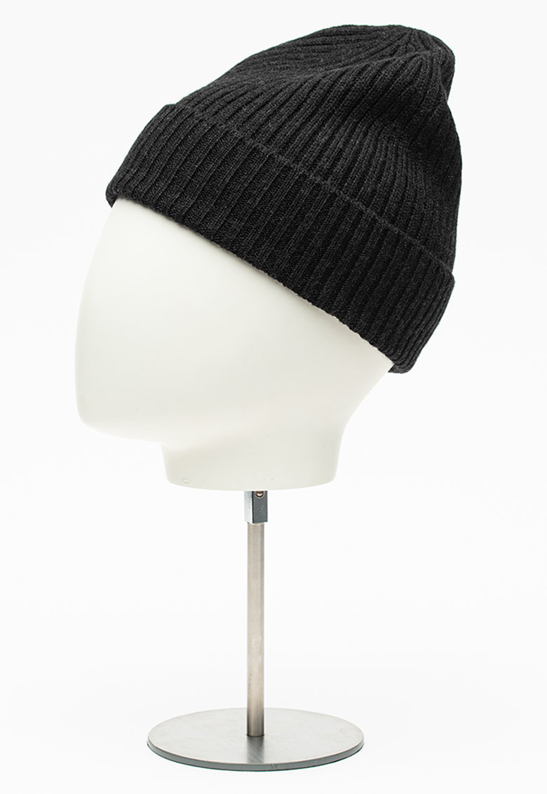 Caciula elastica din lana cu aspect striat