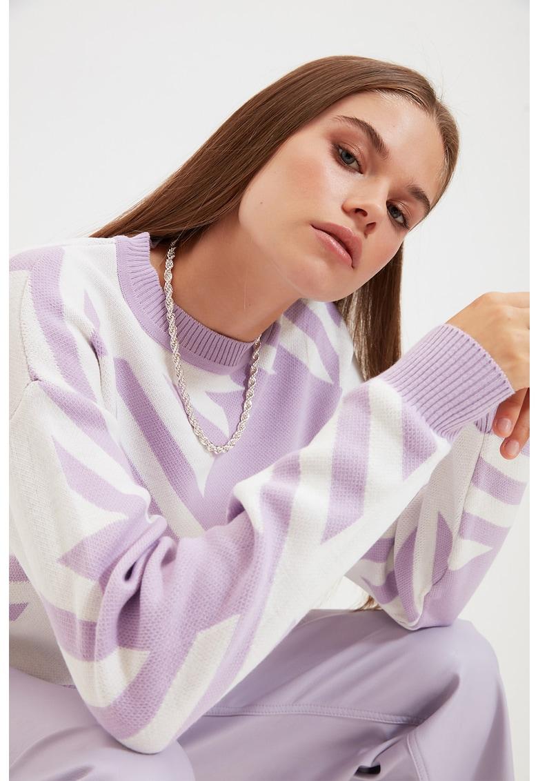 Pulover cu model colorblock de la Trendyol