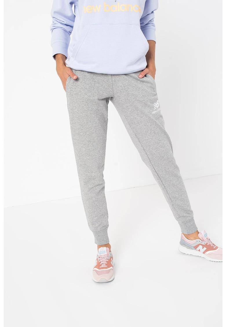 New Balance Pantaloni sport cu imprimeu logo Essentials