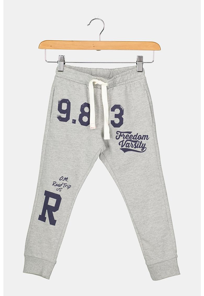 Pantaloni sport cu imprimeu grafic