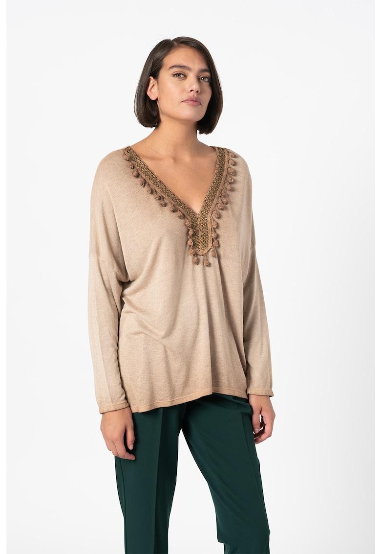 Bluza tricotata fin cu aplicatii crosetate Mia