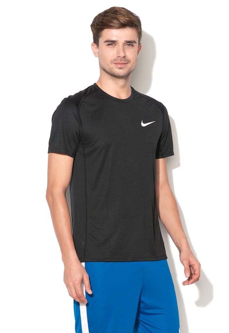 Tricou standard fit cu segmente cu microperforatii – pentru alergare de la Nike
