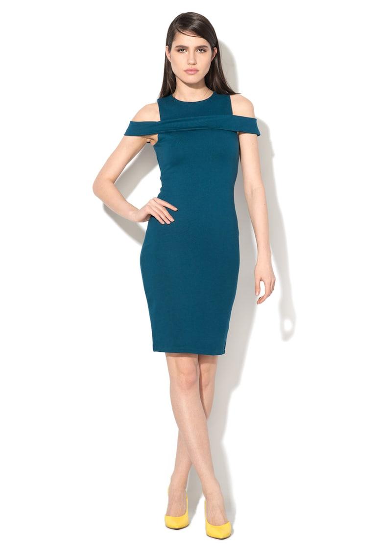 Rochie albastru paun cu decupaj pe umeri imagine fashiondays.ro Glamorous