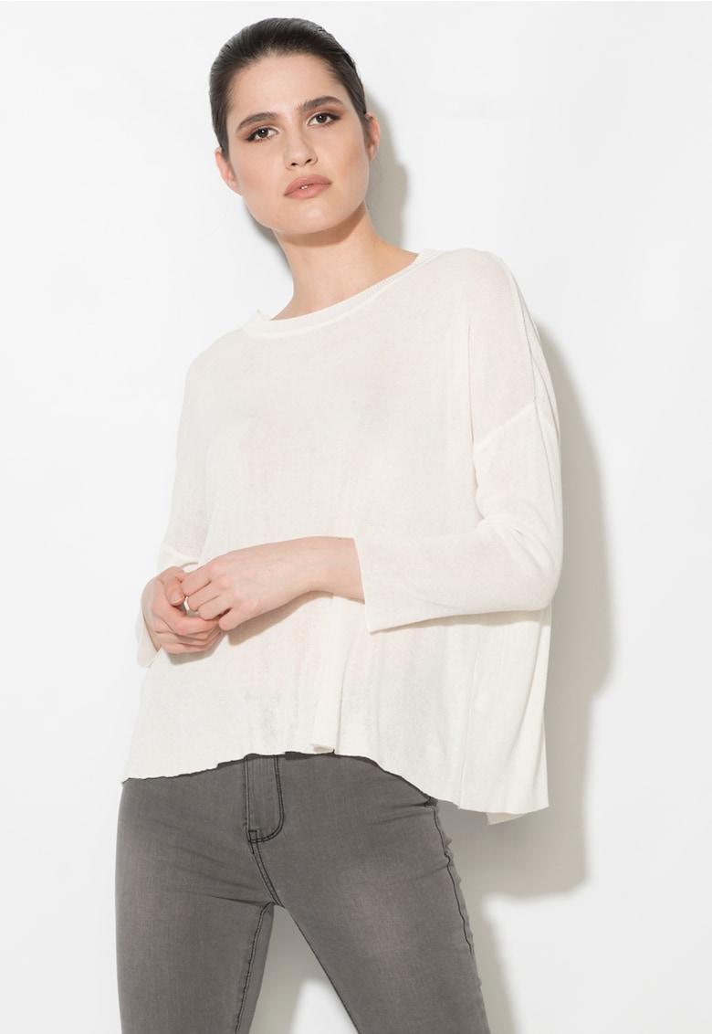 Bluza alb fildes cu partea din spate suprapusa thumbnail