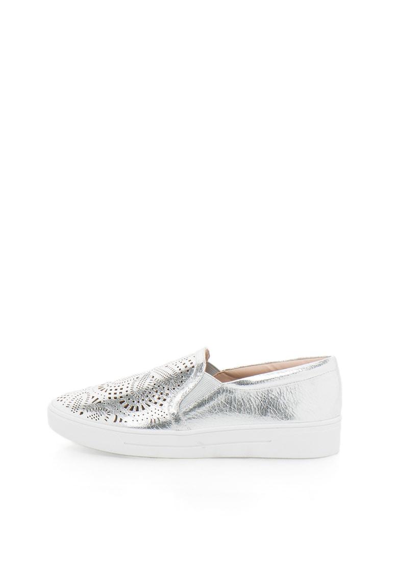 Pantofi slip-on argintii cu decupaje decorative