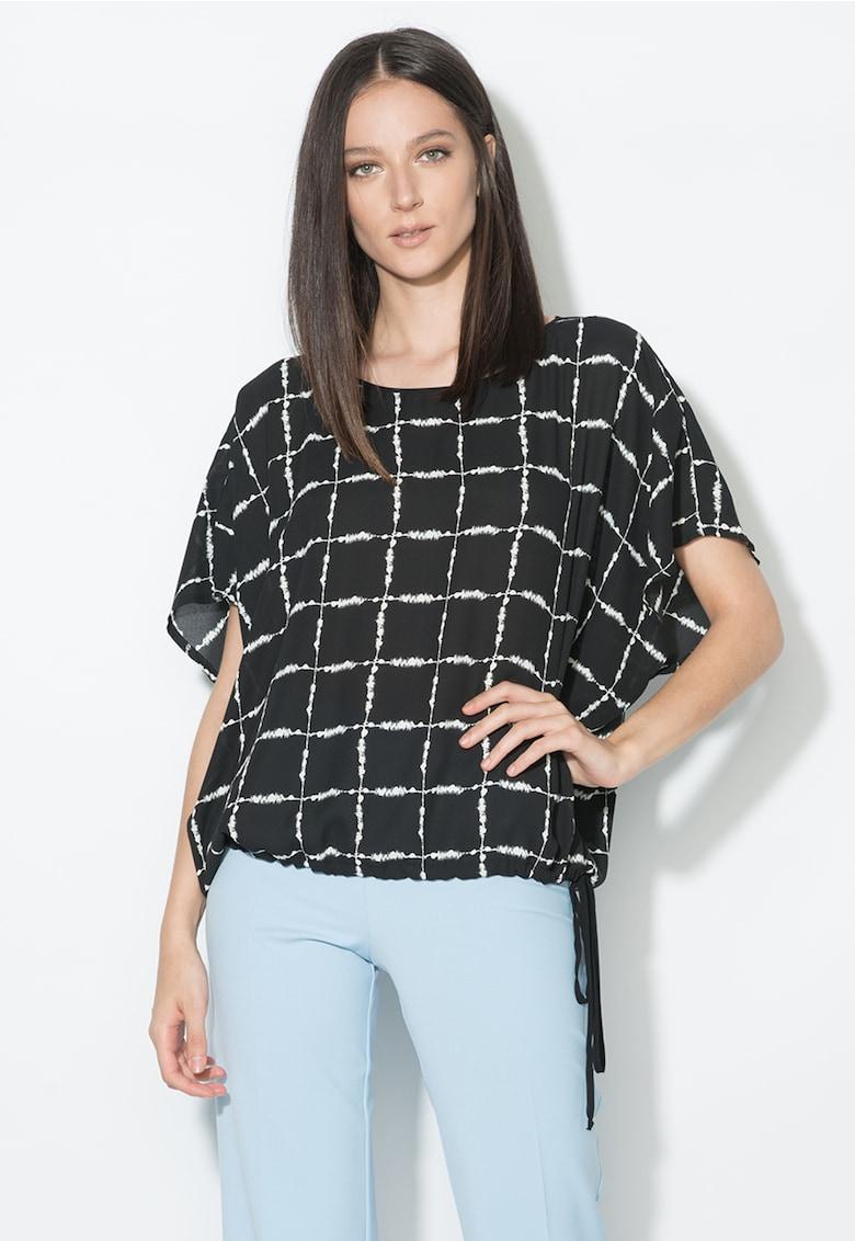 Bluza in carouri negru si alb cu maneci kimono thumbnail