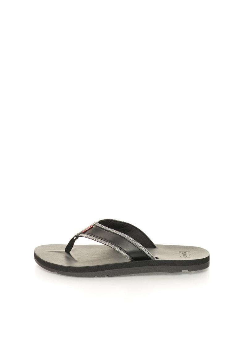 Papuci flip-flop negri cu garnituri de denim de la Levis