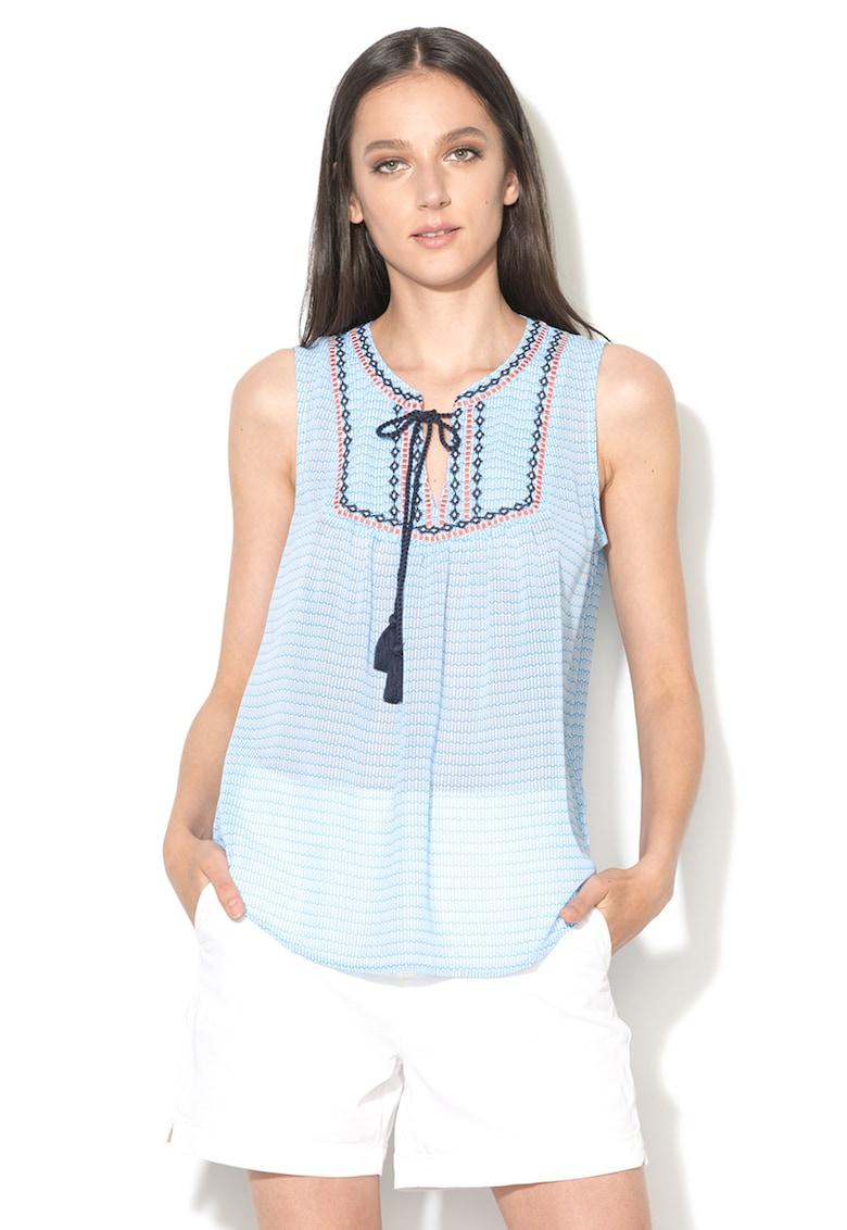 Top bleu cu model grafic imagine fashiondays.ro EDC by Esprit