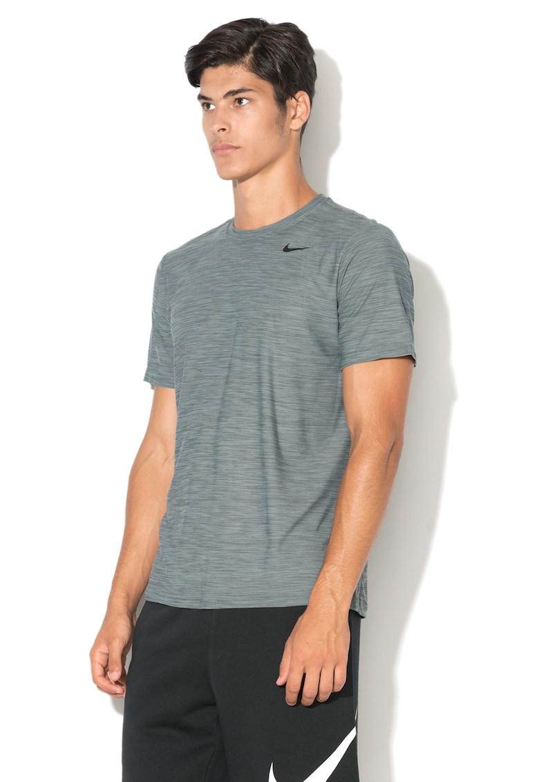 Tricou pentru fitness cu imprimeu logo imagine fashiondays.ro Nike