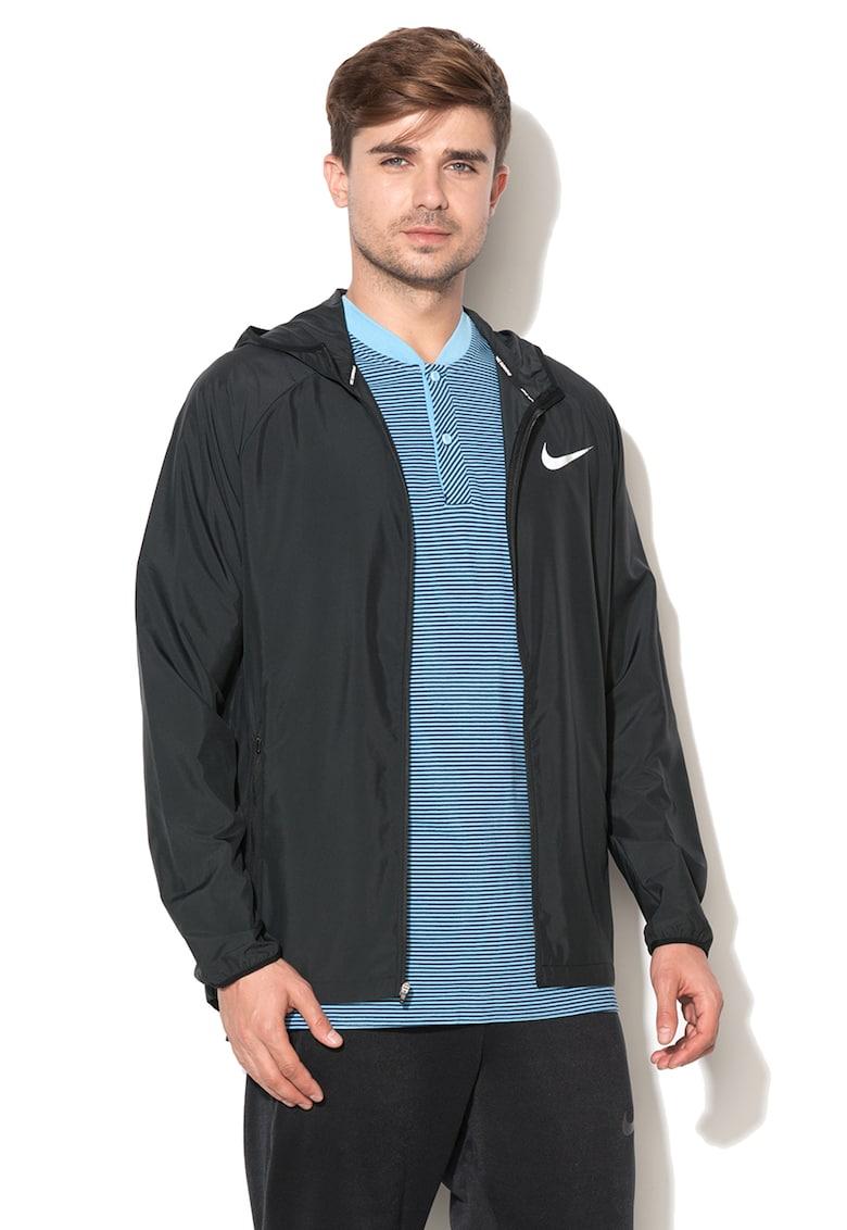 Jacheta usoara impermeabila de la Nike
