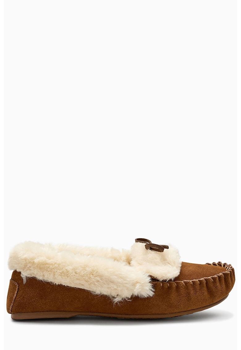 Papuci de piele intoarsa cu garnitura de blana sintetica