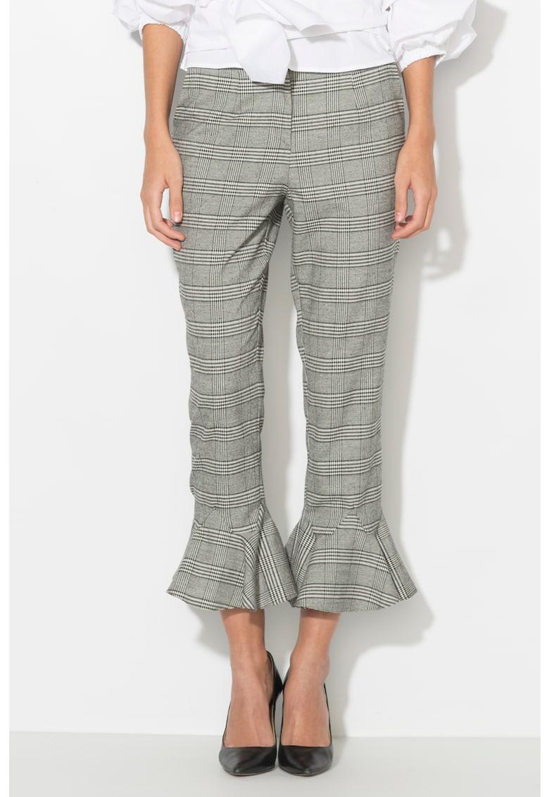Pantaloni conici cu volan la terminatie de la Zee Lane Collection