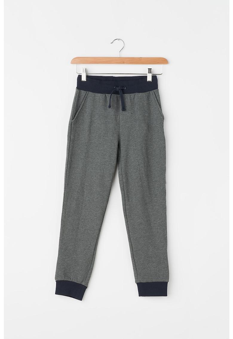 Pantaloni jogger cu trei buzunare thumbnail